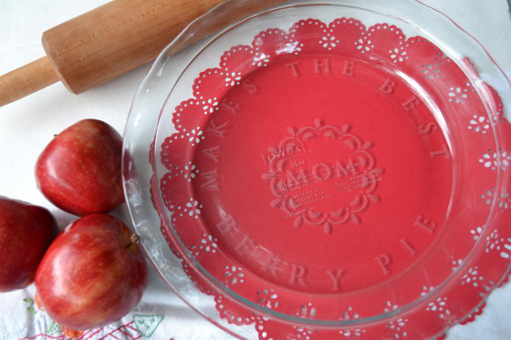 make a personalized etched glass pie plate