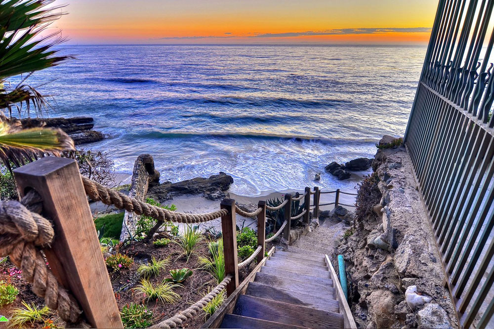 Villa-Rockledge-in-Laguna-Beach-listed-for-30-Million-02