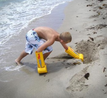 handtrux-giant-sand-shovel-gloves-thumb-350x321