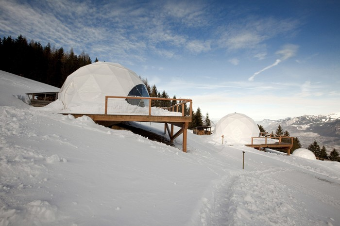 Whitepod-Eco-Luxury-Hotel-in-Switzerland-1-700x466