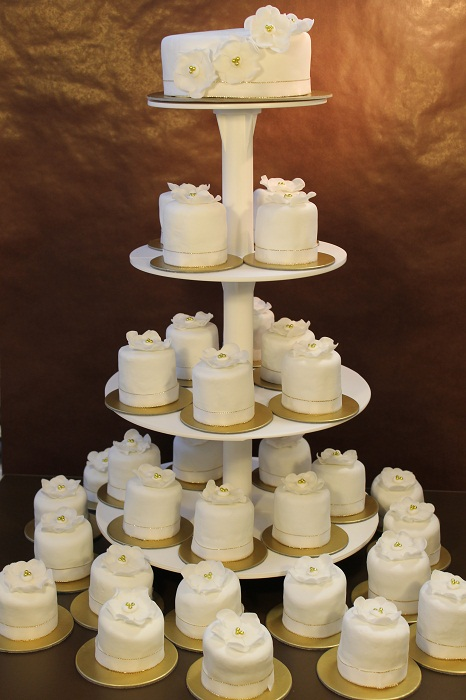 Svadobna torta z cupcakes
