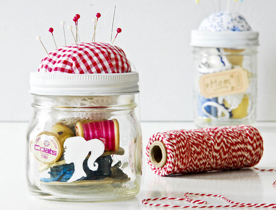 make a sewing kit in a jar