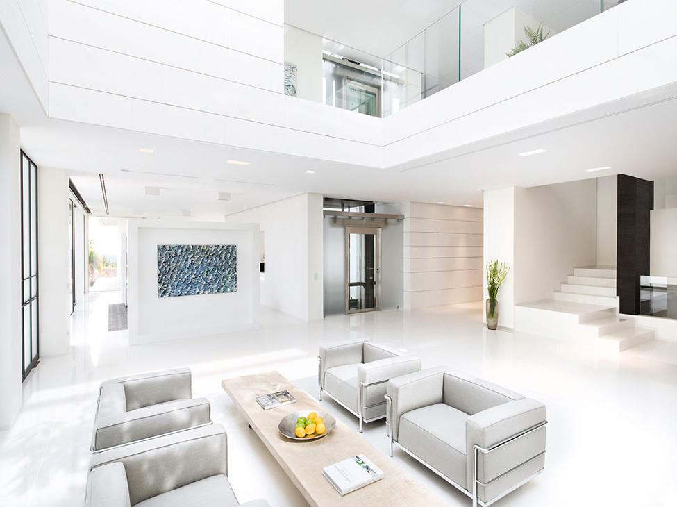 Neat-white-interior