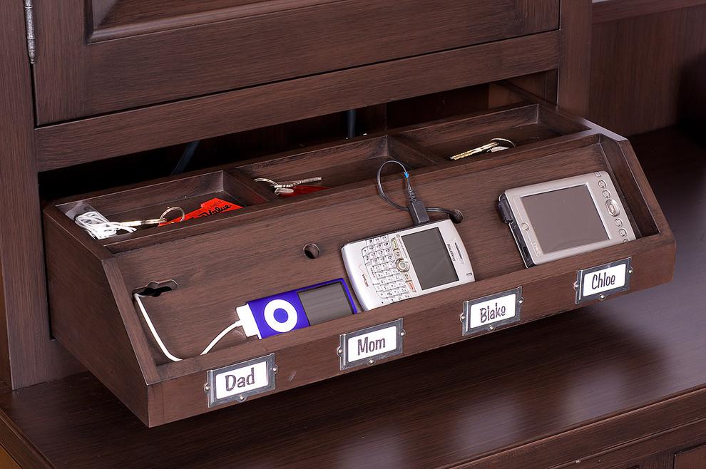 9. Nábytok ukrývajúci vaše moderné technológi