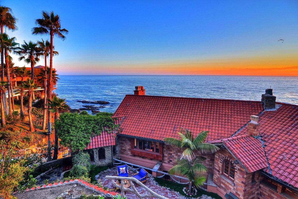 Villa-Rockledge-in-Laguna-Beach-listed-for-30-Million-01