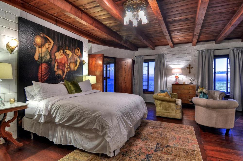 Villa-Rockledge-in-Laguna-Beach-listed-for-30-Million-05